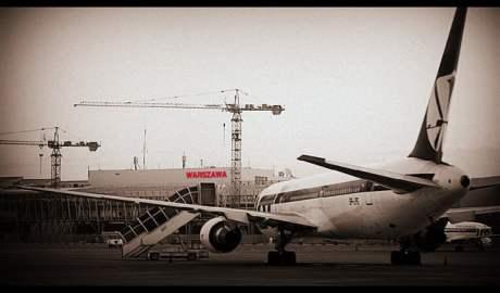 Lotnisko Chopina / Flickr @ Chris / CC BY 2.0