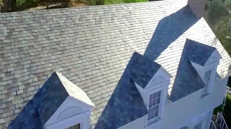 Tesla Solar Roof czyli fotowoltaiczne dachówki