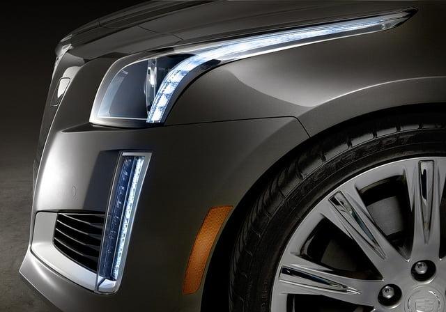Reflektory LED w samochodach - wlaczoszczedzanie.pl - Flickr / @ Abdullah AlBargan / CC BY ND 2.0