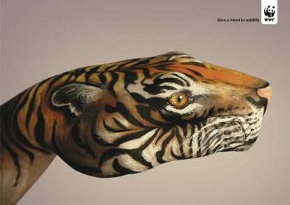 Kampania Podaj pomocną dłoń naturze - Give a hand to wildlife - właczoszczedzanie.pl - @WWF / Guido Daniele