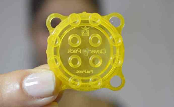 Innowacyjne zakrętki do butelek które można połączyć z popularnymi klockami LEGO - wlaczoszczedzanie.pl / @ Clever Pack