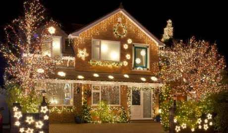 Na co należy zwrócić uwagę przy zakupie lampek choinkowych