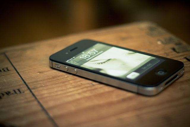 Z kontroli UKE wynika że sprzedawane w Polsce smartfony nie zagrażają zdrowiu człowieka