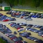 Wieloczujnikowy inteligentny neuronowy system parkingowy pomoże kierowcom znaleźć wolne miejsce postojowe.