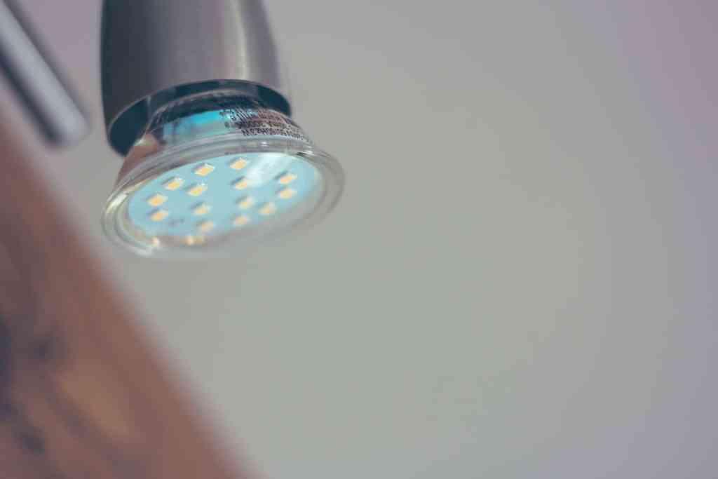 Blisko połowa lamp LED nie spełnia wymagań podstawowych przepisów