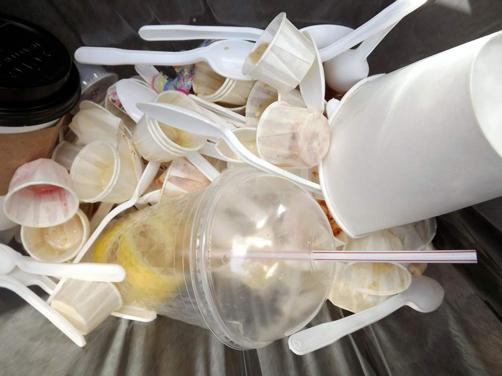Polacy wciąż mają problem z właściwą segregacją odpadów