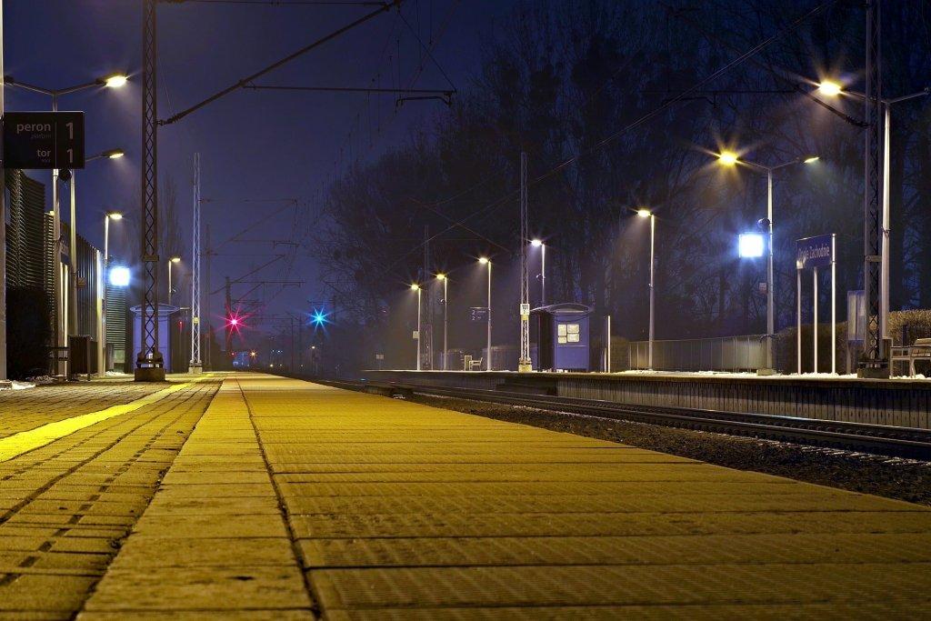 PKP Polskie Linie Kolejowe S.A. wymieniły ponad 1000 lamp na LED
