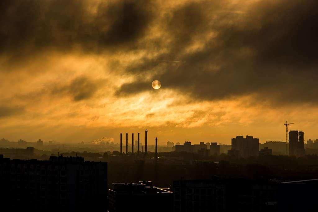 Rząd zmienia programy antysmogowe: Czyste Powietrze, oraz Stop Smog