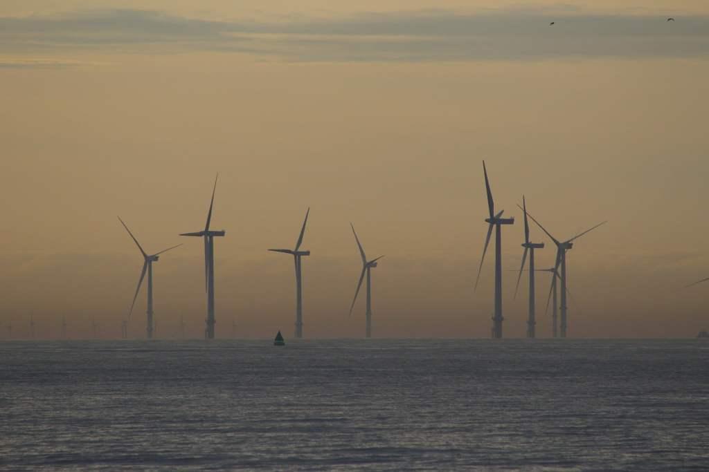 Budowa morskich farmach wiatrowych wymusi modernizacje sieci przesyłowej w Polsce Północnej