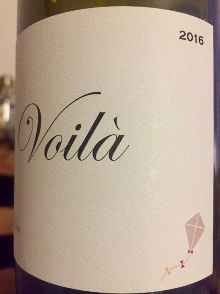 Label from bottle of Voilá California Pinot Noir 2016