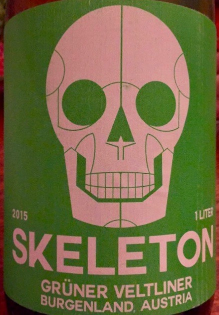 Label from bottle of Skeleton Grüner Veltliner Burdenland 2015, 1l format