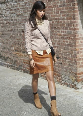How to wear a sweater and skirt? 5