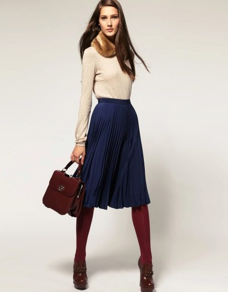 How to wear a sweater and skirt? 19