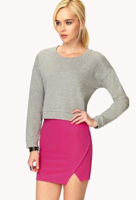 How to wear a sweater and skirt? 25