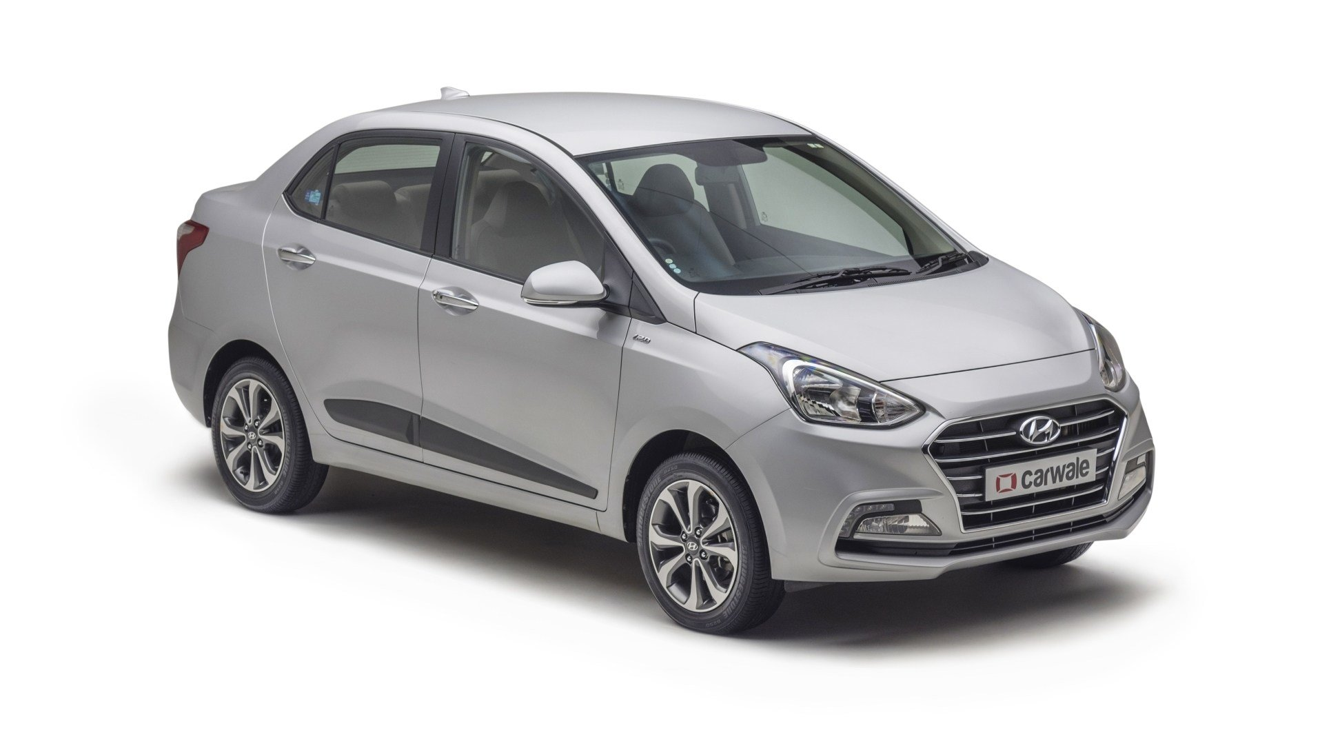 New Hyundai Xcent Sleek Silver Colour Xcent Colours In India On This Month