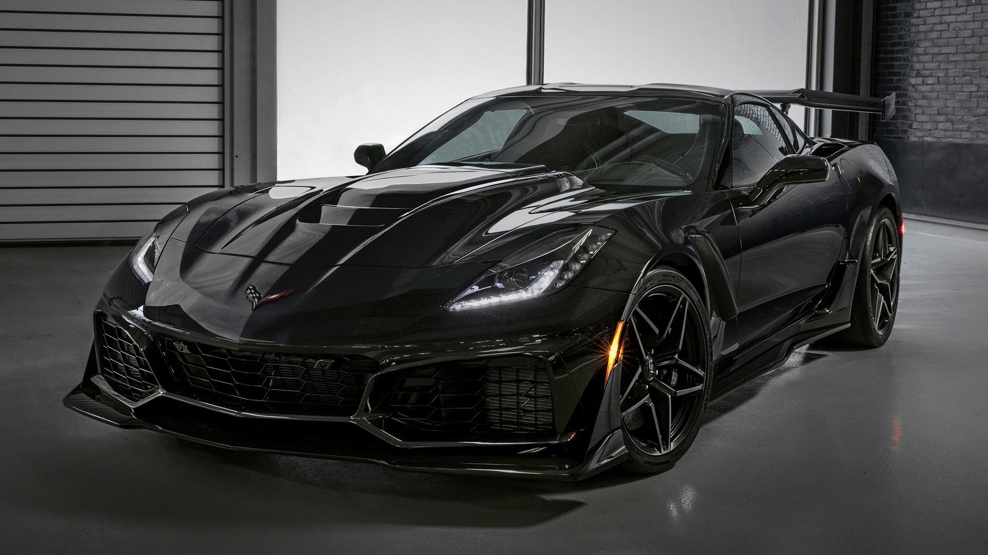 New 2018 Chevrolet Corvette Zr1 Wallpapers And Hd Images On This Month