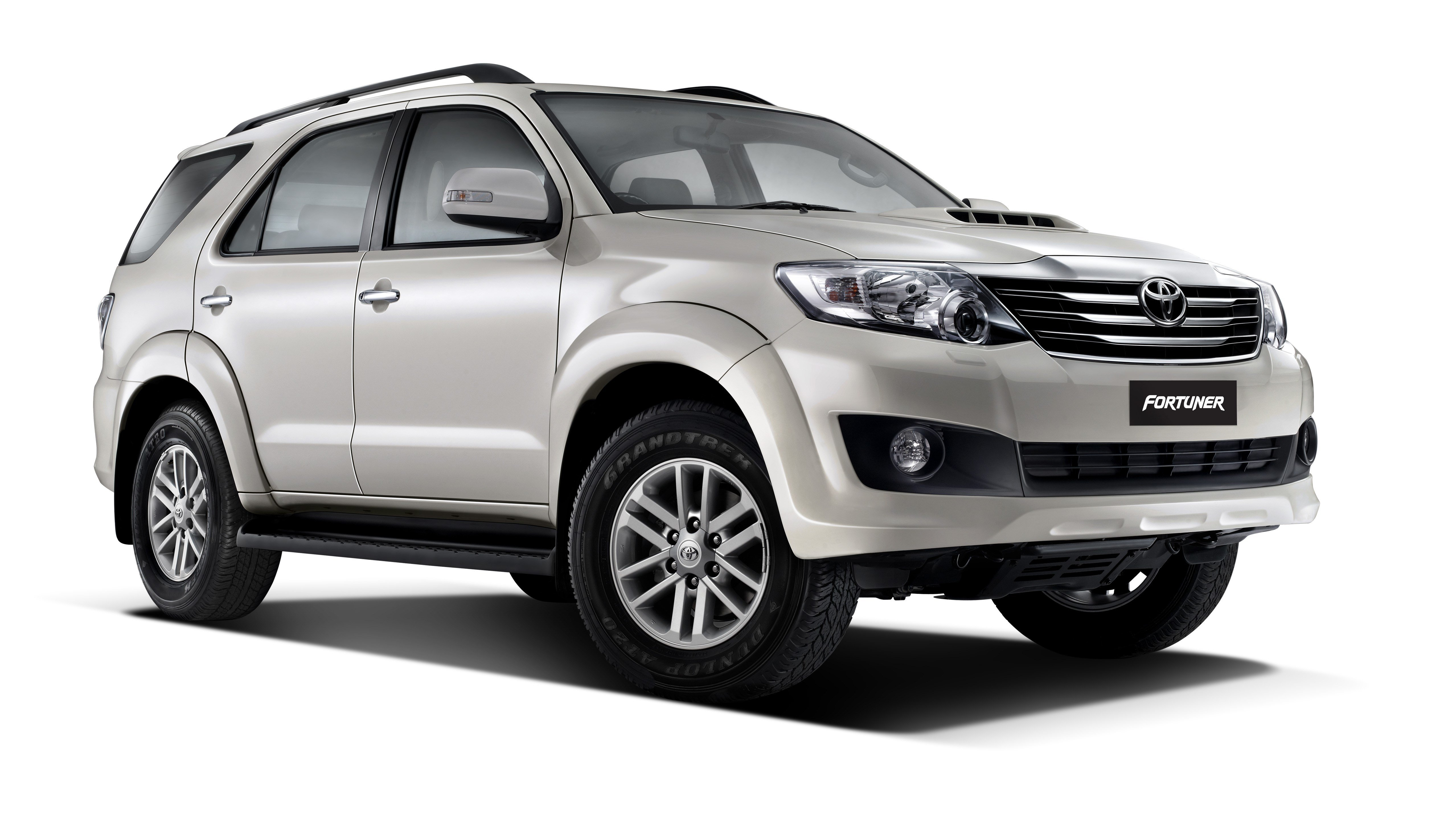 New Toyota Fortuner Now With Five Speed Auto Autocar India On This Month
