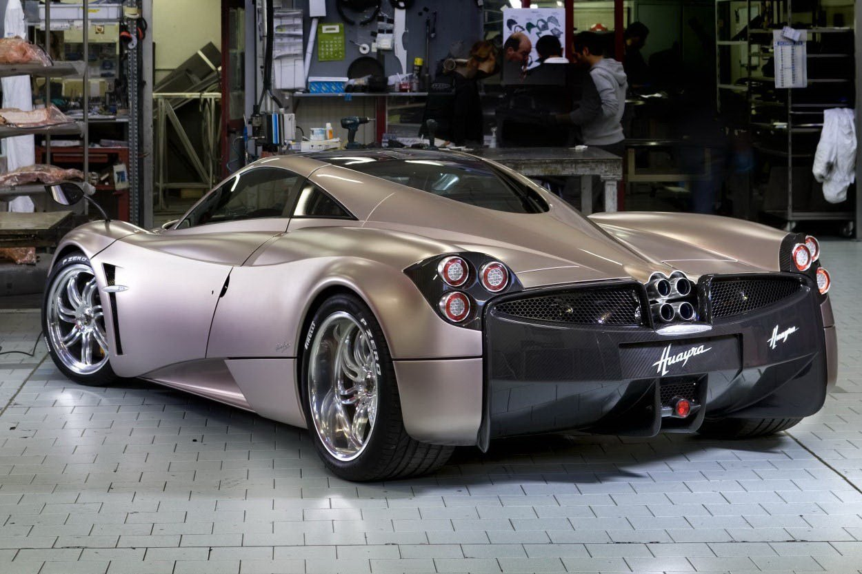 New 700Hp Pagani Huayra Officially Revealed Autoevolution On This Month