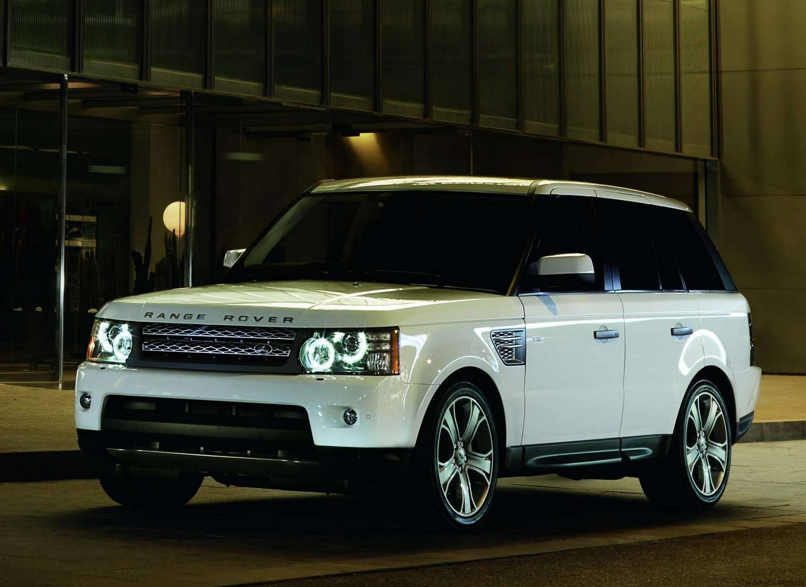 New Range Rover 2012 On This Month