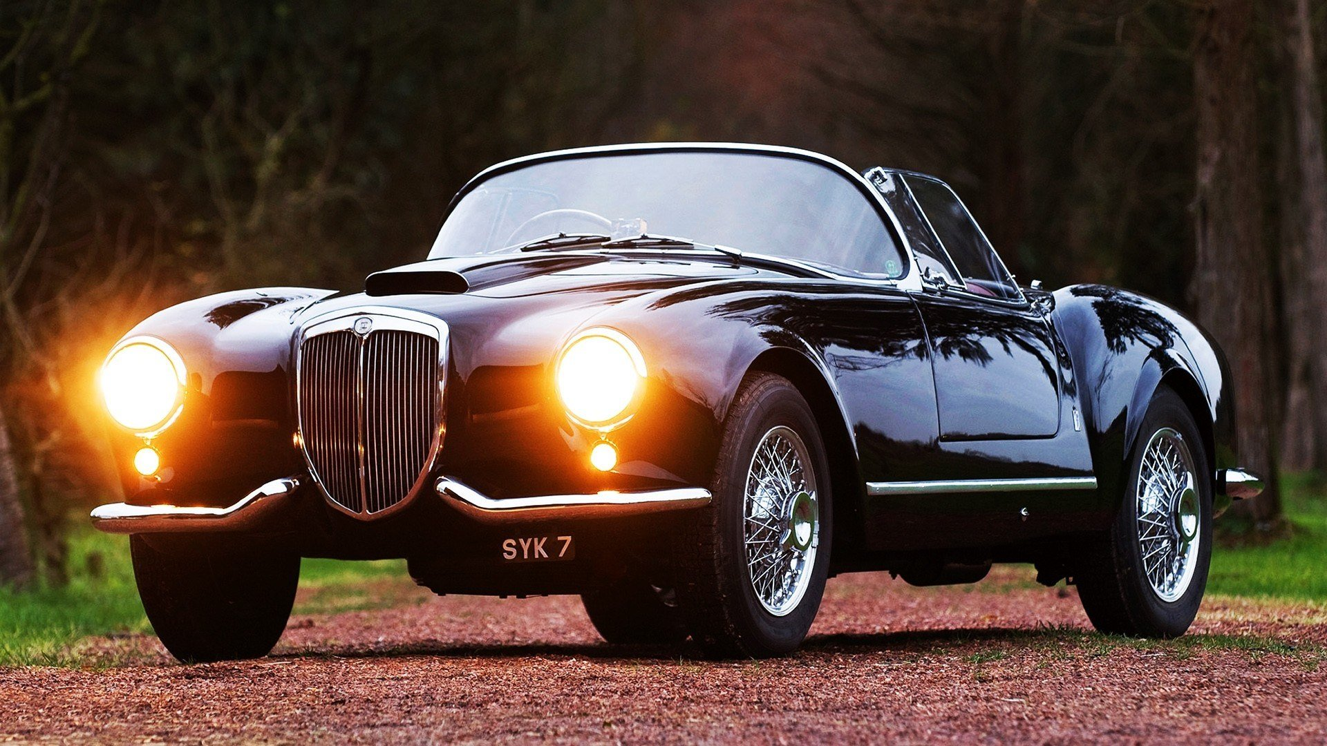 New Lancia Classic Car Classic Lights Retro Reflection On This Month