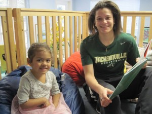 JU Womens basketball reading with fours