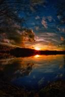 breathtaking-evening-lake
