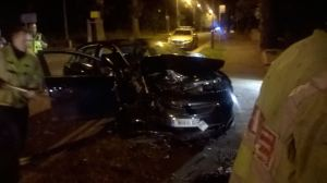 CAR IN COLLISION WITH TREE IN SOLIHULL 09-08-15