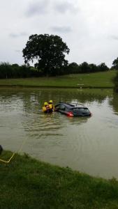 Car in pond 1