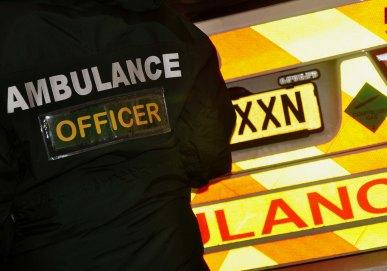 ambulance-officer3