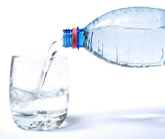 Минеральная вода при мочекаменной болезни названия список. Что лучше пить при мочекаменной болезни. Дробление камней в почках лазером