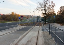 Linia tramwajowa przy alei Sikorskiego (31 października 2015) - skrzyżowanie z ulicą Andersa