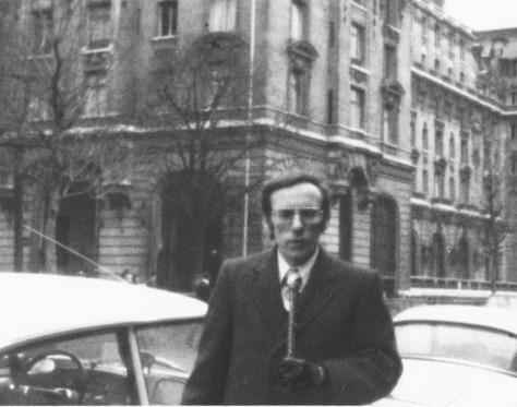 Edward Brown, with WNEW Radio/TV Viet Nam negotiations, Paris, Jan. 1973