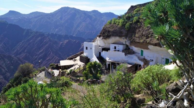 Die Höhlenwohnungen von Acusa, einem Ortsteil von Artenara