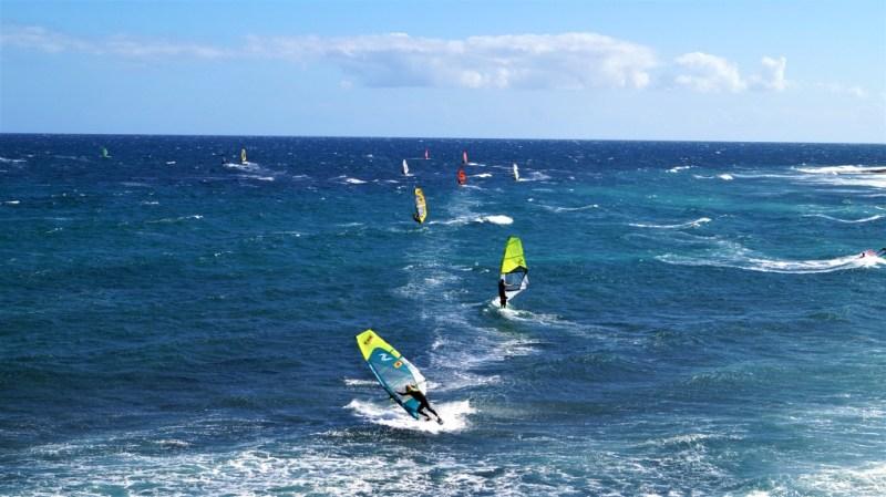 In Pozo Izquierdo tummeln sich Windsurfer