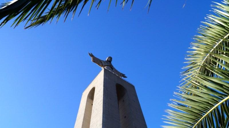 Cristo Rei - Statue in Almada