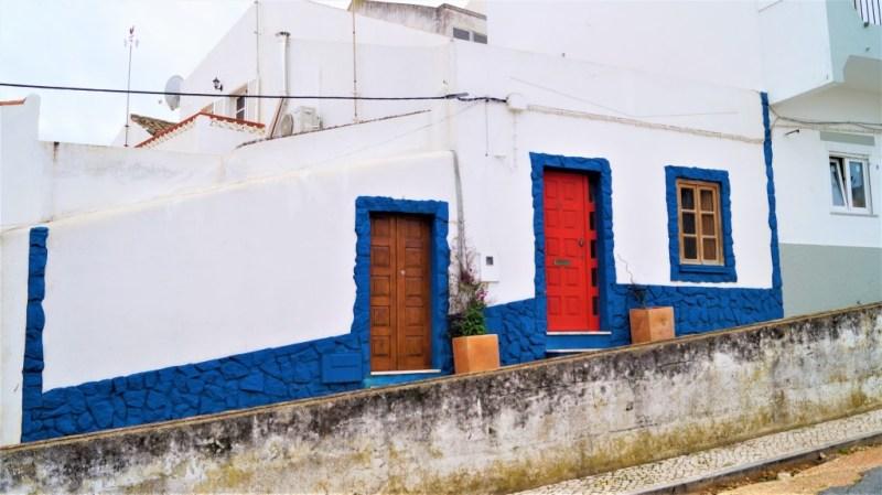 Haus in Portugal blau und weiß
