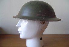 Engelse helm uit de tweede wereldoorlog bodemvondst Pijnacker-Nootdorp