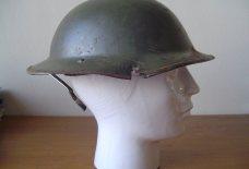 Engelse helm uit de tweede wereldoorlog gevonden in Pijnacker Nootdorp