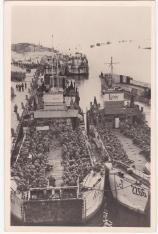 Uittocht der Edel Germanen, klaar voor vertrek in boten