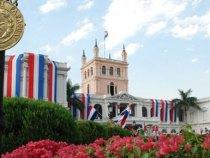 Der López Palast bekommt seinen originalen Farbton zurück