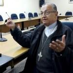 Die Kirche will an die weltliche Macht