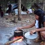 Einwanderer schikanieren Ureinwohner