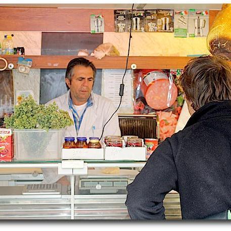 Italienische Spezialitäten auf dem Wochenmarkt