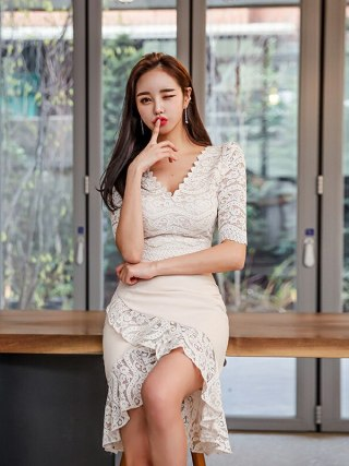 Large Size Lace Patchwork Summer Dress 19 Women Empire Trumpet Korean Wrap Dress Half Sleeve Ruffles Casual Dress Plus Size