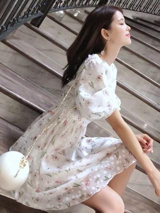 Mishow 19 Femal Summer Chiffon Dresses V-Neck Floral Beach Dress Mini cute girl Dress MX18B1234