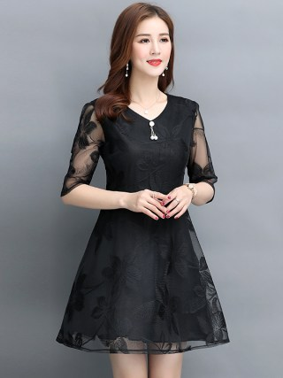 Women's fashion Mesh dress vintage V-Neck Half sleeve Lace dress Summer new black temperament Large size A-Line dress