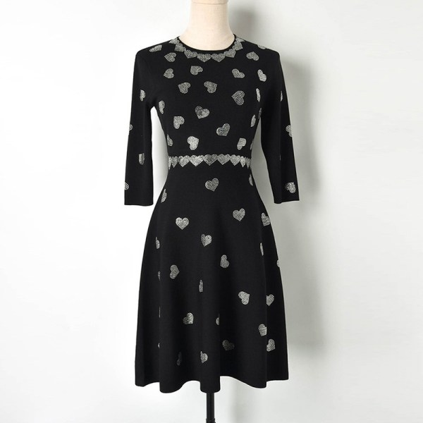 Women Black Spring Sweater Dress 19 chic A-line O-neck half sleeve Ladies Knitted Dress High Quality Luxury Brand Women Dress