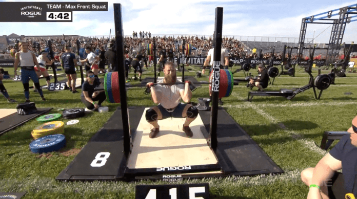 Jared Stevens hits a 415-lbs front squat at the Rogue Invitational team event 5.