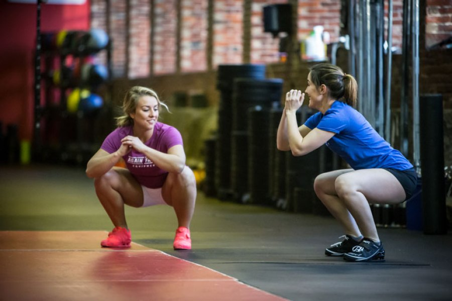 Un exercice d'air squat qui va vous tuer !