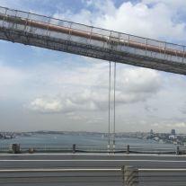 Abfahrt über die 1. Bosphorus-Brücke